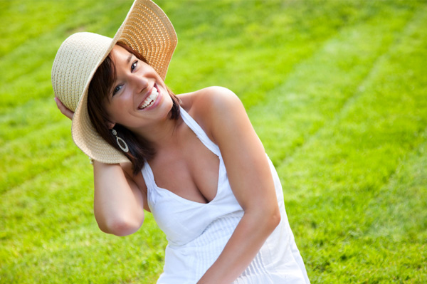 Woman wearing hat in the summer