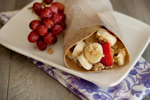 Skinny cheesecake fruit wraps