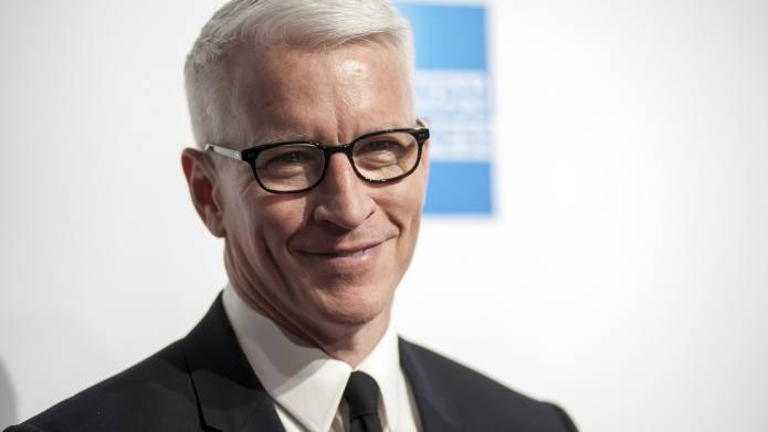 Anderson Cooper Shows Us How He