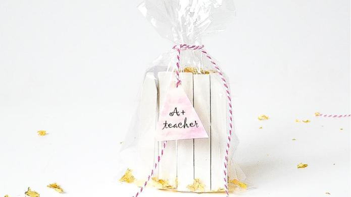 These DIY chalk packs make adorable
