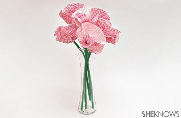 DIY cupcake liner flower bouquet
