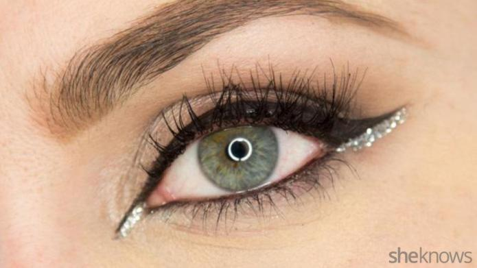 A glitter eye makeup tutorial for