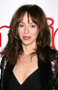 Family reacts to Mackenzie Phillips' incest