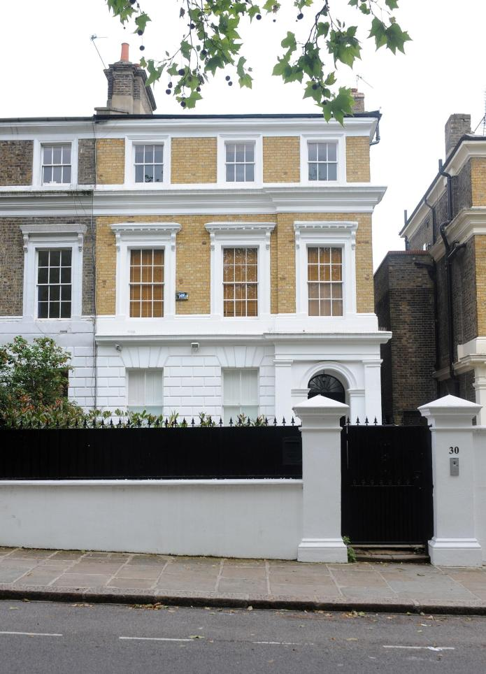 Parents list Amy Winehouse's digs for