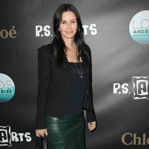 Courteney Cox dating her Cougar Town