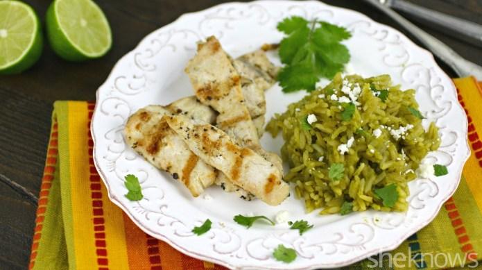 Arroz verde turns a basic chicken