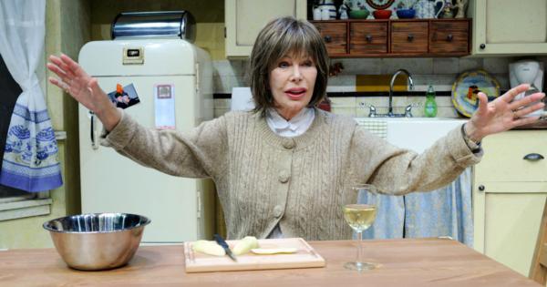 Loretta Swit is Shirley Valentine