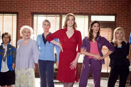 Betty White, Jamie Leigh Curtis, Sigourney Weaver, Odette Yustman and Kristen Bell in You Again