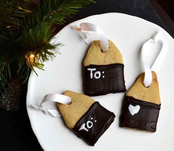 Edible gift tag cookies