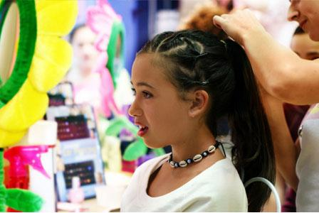 Braid bars to feather extensions: Hair