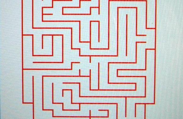 Heart maze for kids