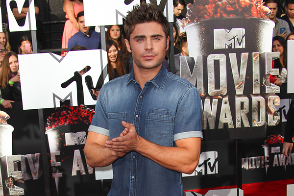 Zac Efron on the 2014 MTV Movie Awards red carpet.