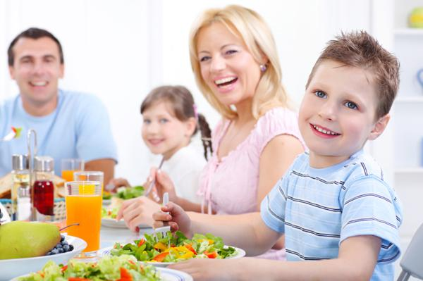Non-chaotic family dinner strategies