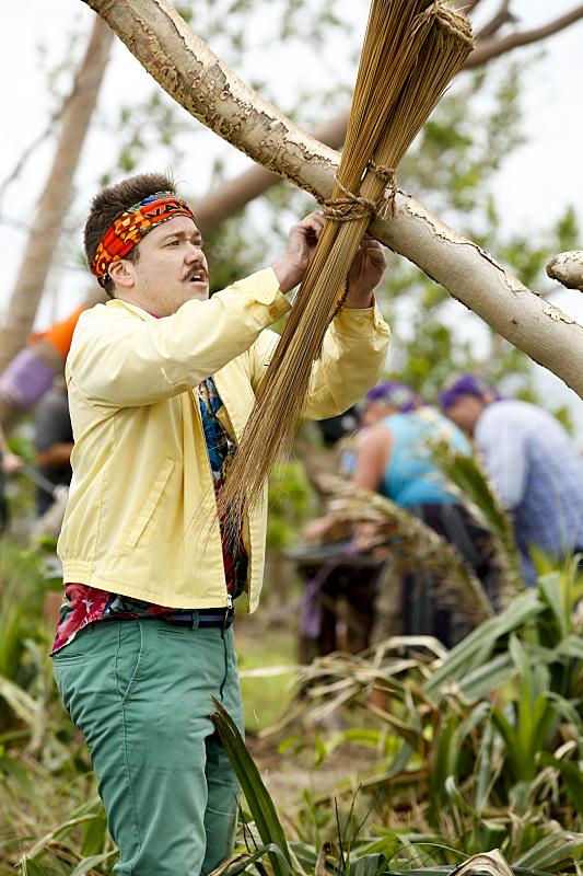 Zeke Smith builds shelter at Millennials camp on Survivor: Millennials Vs. Gen-X