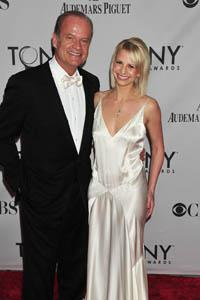Kelsey Grammer says his ex-wife smells