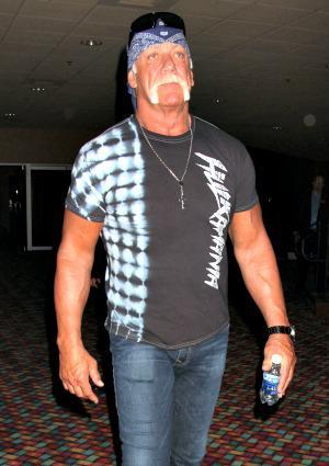PHOTOS: Hulk Hogan's burned hand looks
