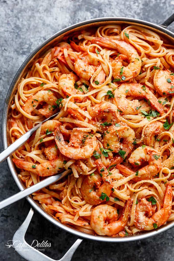11 Date Night Dinner Recipes Anyone Can Make: 15-Minute Creamy Garlic Shrimp Pasta