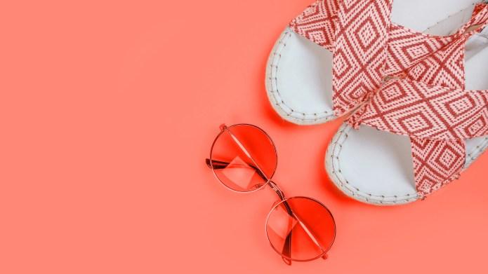 Summer fashion flatlay with gradient round