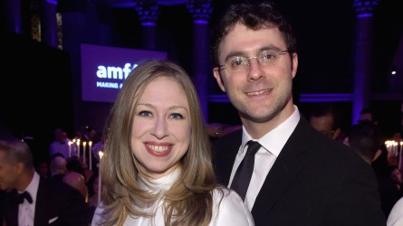 photo of chelsea clinton and husband