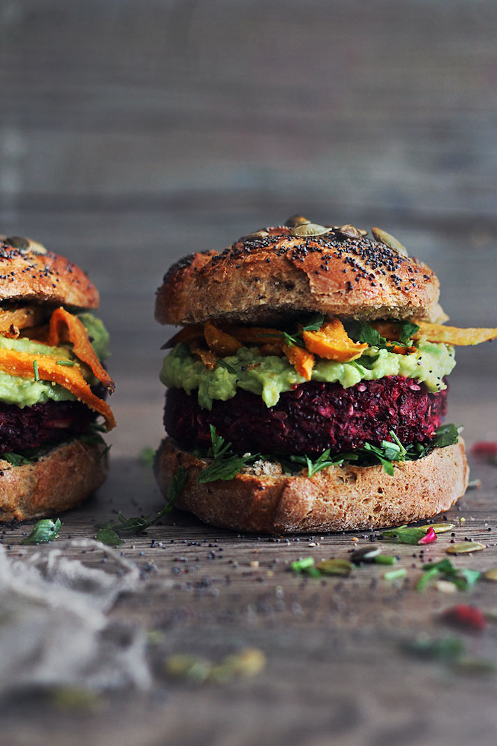15 Easy Meatless Dinners With Plenty of Protein: The Ultimate Veggie Burger