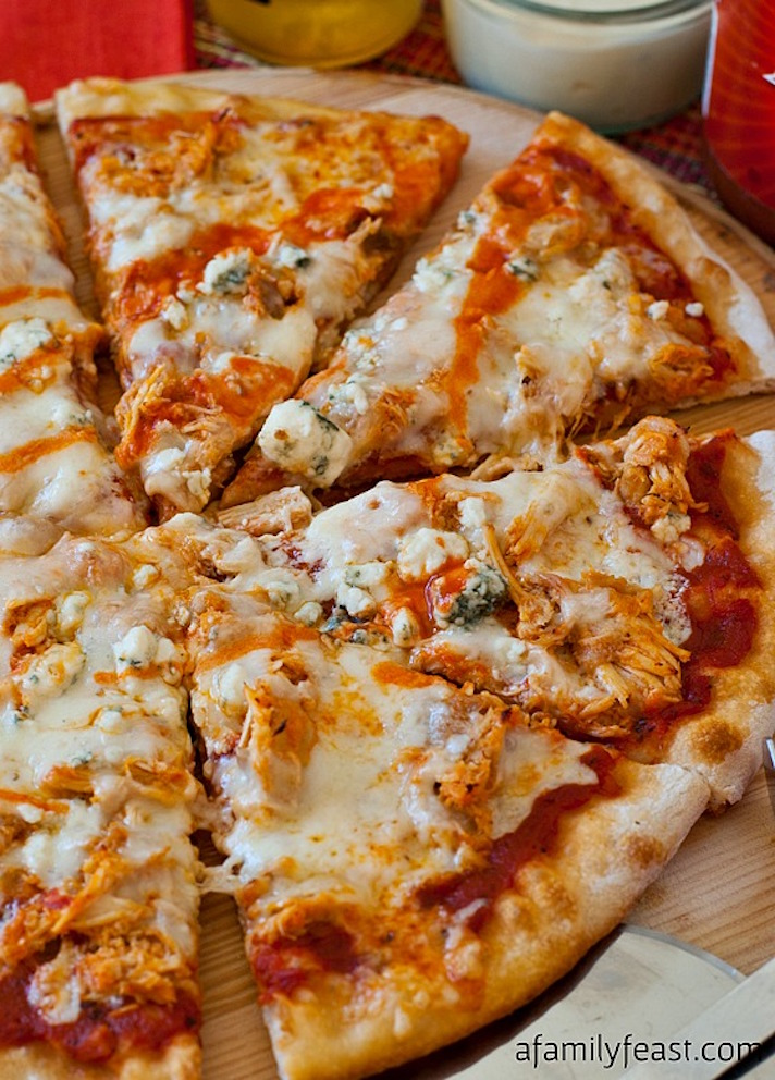 11 Easy Buffalo Chicken Recipes for Your Super Bowl Party: Buffalo Chicken Pizza