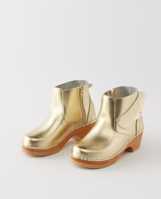 Hanna Andersson Winged Clogs