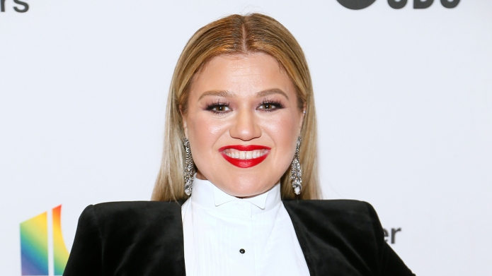 Kelly Clarkson arrives at the 2018