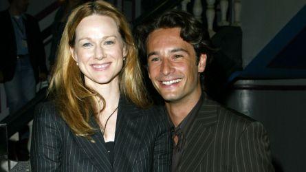 Photo of Laura Linney and Rodrigo