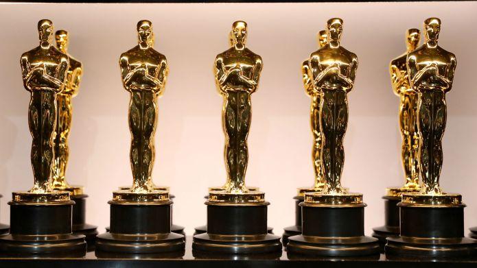 Photo of Oscar award statues