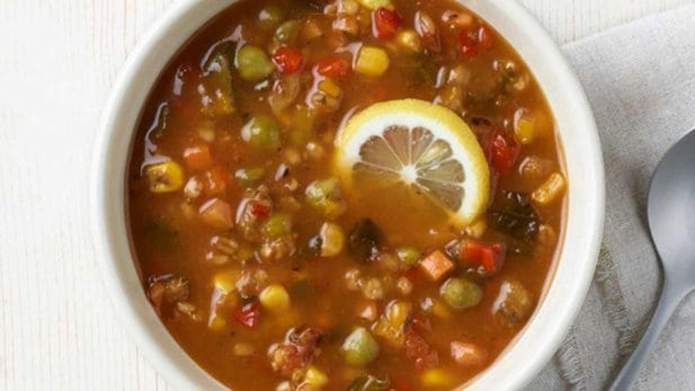 photo of panera's ten vegetable soup