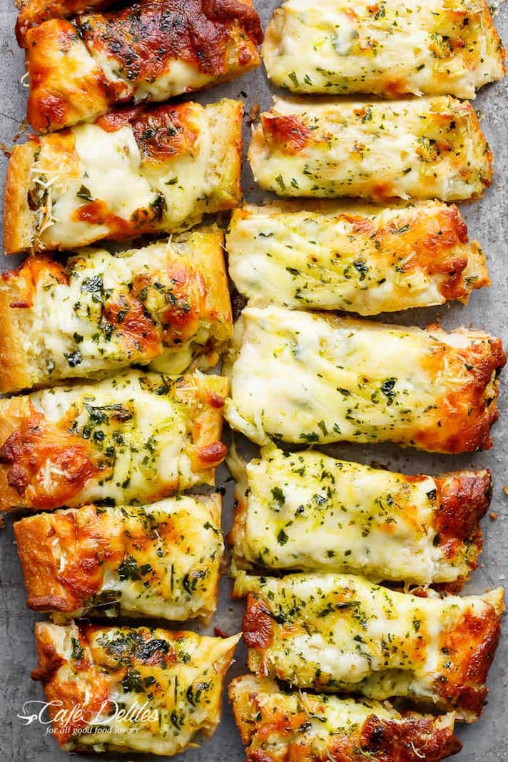 15 Easy, Elegant Appetizer Ideas for Your Oscars Viewing Party: Easy, Cheesy Garlic Bread