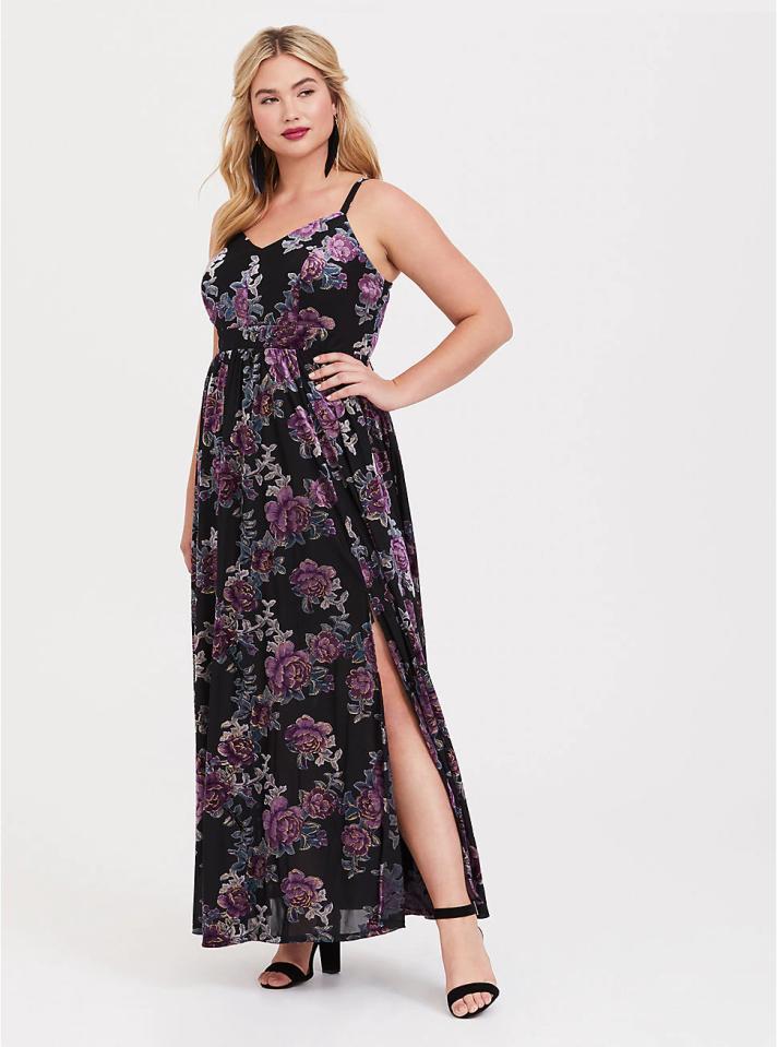 666f4880cadb9 Plus-Size Winter Maxi Dresses to Snag on Sale – SheKnows