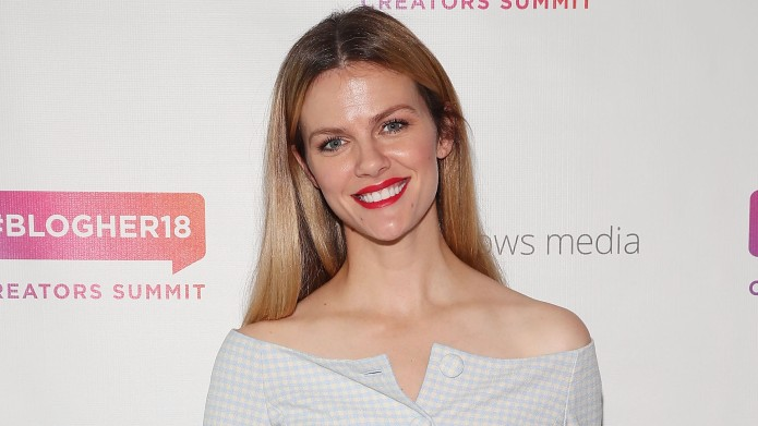 photo of brooklyn decker at BlogHer