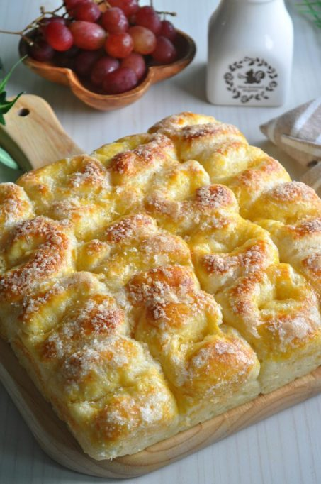 Bread and sugar pull-apart bread.