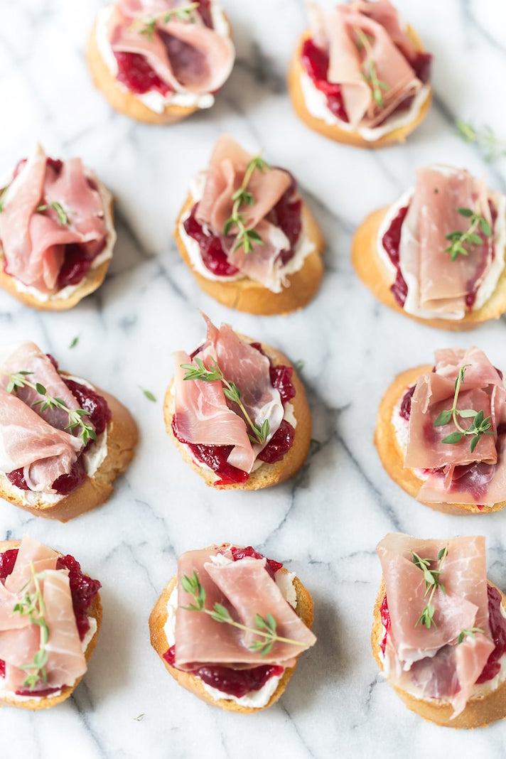 15 Easy, Elegant Appetizer Ideas for Your Oscars Viewing Party: Cranberry Prosciutto Crostini