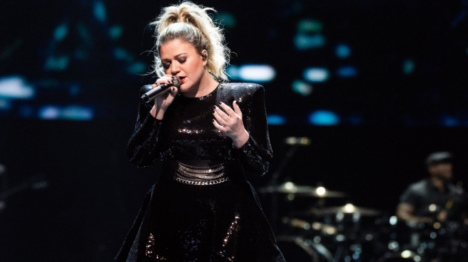 Kelly Clarkson in concert during her 'Meaning Of Life Tour,' Oakland, California, USA.