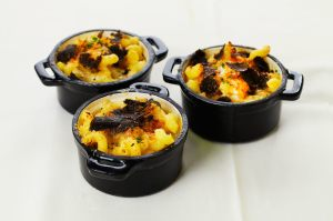photo of Wolfgang Puck macaroni with aged cheddar cheese