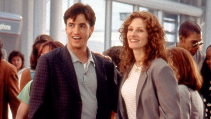 Dermot Mulroney and Julia Roberts in