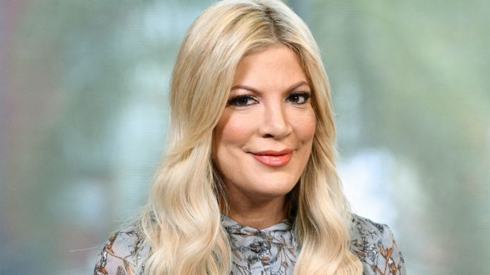 Photo of Tori Spelling on Extra
