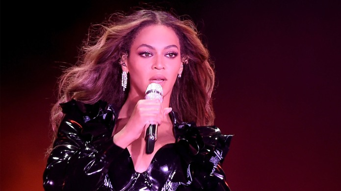 Beyonce performing in black outfit