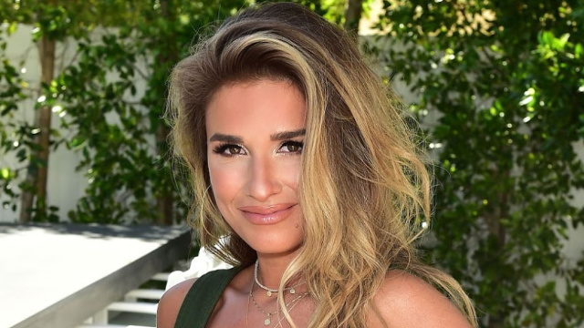 "Jessie James Decker signs cards at the Hallmark ""Cards Do More"" campaign event in Los Angeles."