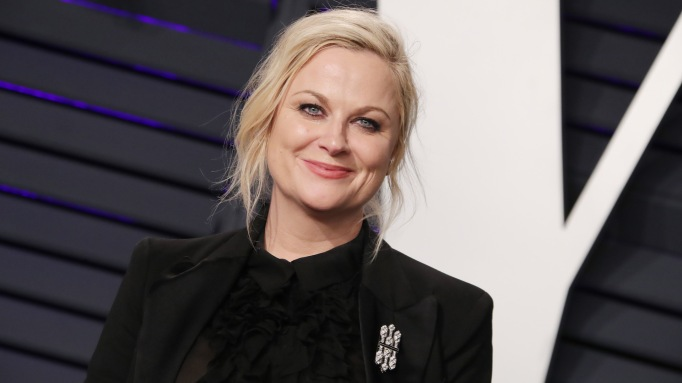 Amy Poehler attends the 2019 Vanity Fair Oscar Party