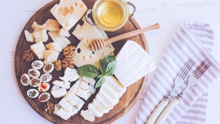 Cheese platter: Tasty appetizers with different