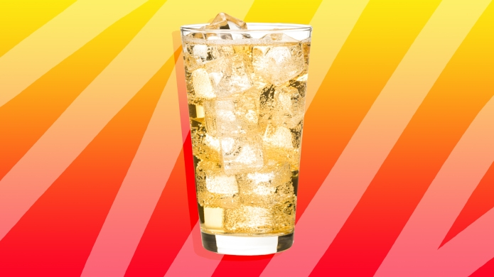 A glass of ginger ale against