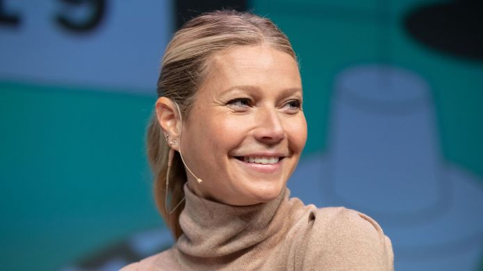 Gwyneth Paltrow Posts Pic of Daughter Without Her Consent & Apple Is Not Having It