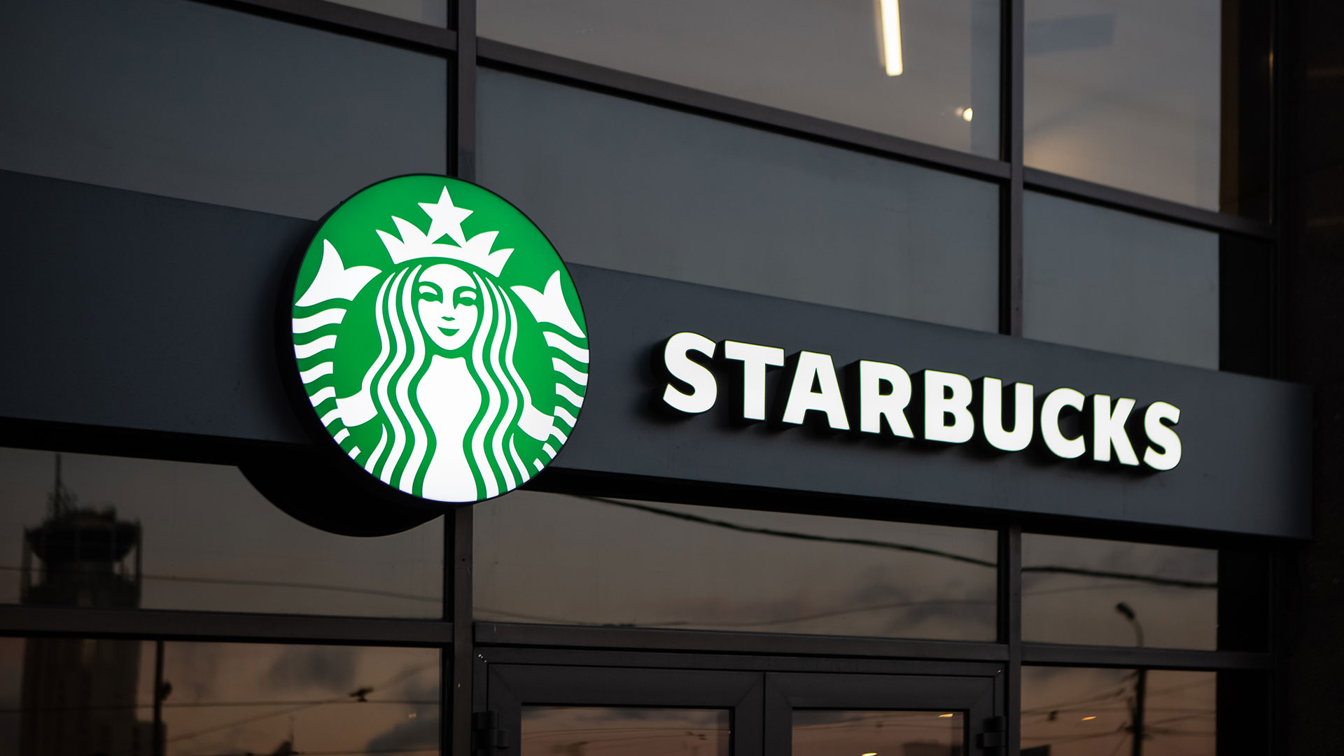 #BoycottStarbucks Trends After Coffee Chain Prevents Employees from Wearing BLM Attire