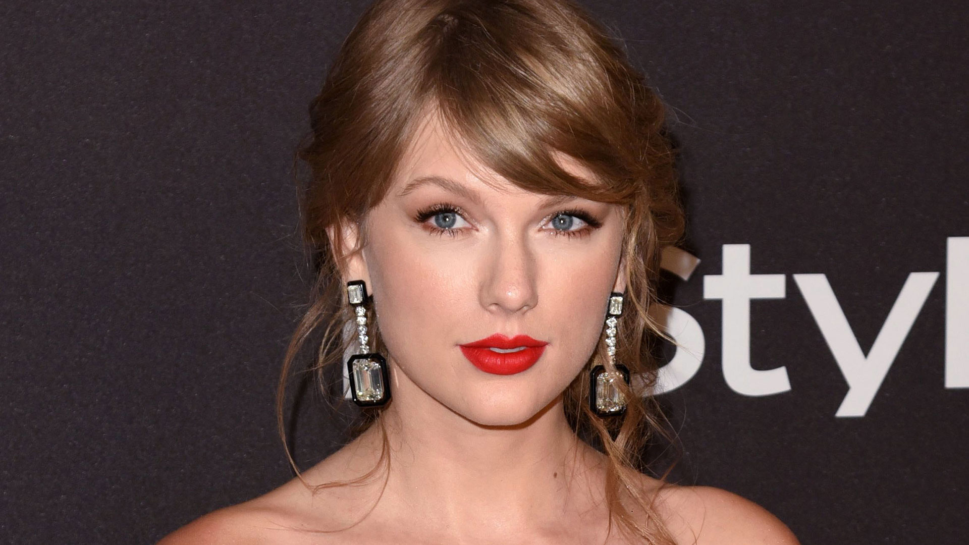 Taylor Swift S Mom Filmed Her Post Surgery Haze Leaked The Clip Sheknows