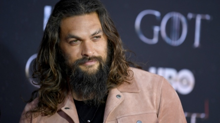 Jason Momoa red carpet with beard
