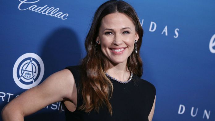 Photo of Jennifer Garner at Art