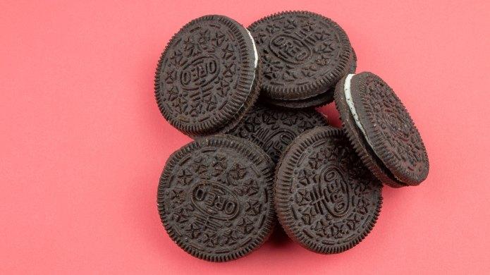 Oreo's Marshmallow Moon Cookie to Celebrate
